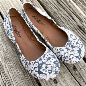 Lucky Brand Emile flats- blue and white floral